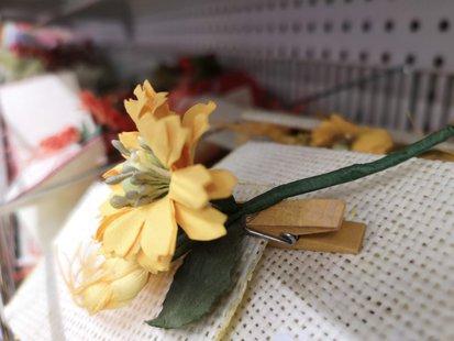 Fiore giallo chiudipacco id_161