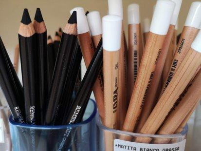 Matita carboncino e matita bianca grassa id_207