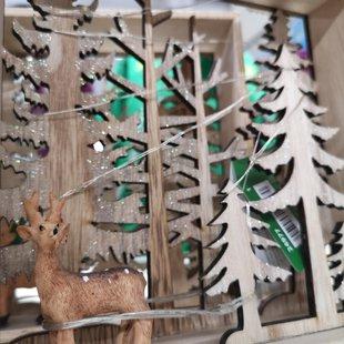 Bosco con renna e abeti in legno, miniatura id_616