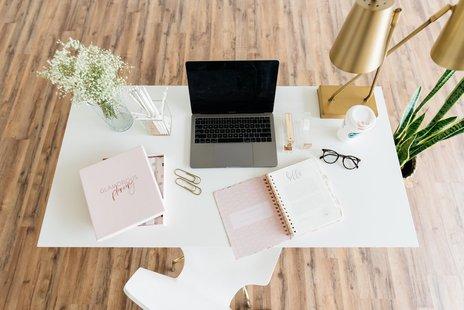 Materiale per ufficio e scrivania id_821